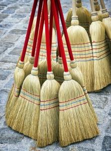 475060235 brooms